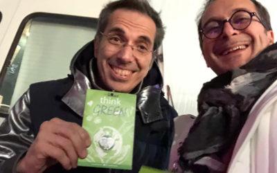 Capodanno a Milano plastic free con i badge ecologici Eco-Postcard®